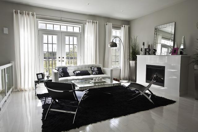 Home Interior: Living Room